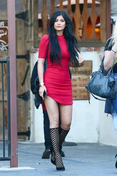 Image via We Heart It #beautiful #body #brunette #dress #famous #fashion #flawless #Hot #linda #longhair #makeup #outfit #perfection #pretty #princess #red #rich #sexy #shoes #skinny #street #style #vintage #walk #young #kardashian #swag #kendalljenner #kyliejenner #kuwtk