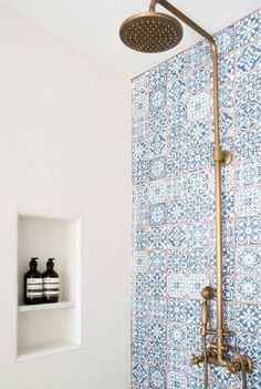 Shop domino for the top brands in home decor and be inspired by celebrity homes … Buy Domino for the top brands in home decor and be inspired by celebrity houses and famous interior designers. Domino is your guide to living in style. Bathroom Inspiration, Interior Inspiration, Design Inspiration, Interior Ideas, Ikea Inspiration, Famous Interior Designers, Celebrity Houses, Style At Home, Beautiful Bathrooms