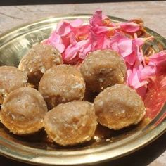 Aadi festival special kozhukattai, made using rice flour, jaggery. Taste really good and is perfect for this occasion. Biryani Recipe, Masala Recipe, Peda Recipe, Pudding Recipe, Fried Fish Recipes, Roast Chicken Recipes, Apple Cake Recipes, Cheesecake Recipes, Eggless Strawberry Cake Recipe