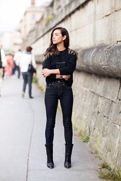 the high rise and boots / Stockholm street style