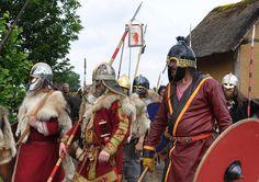 Medieval Armor, Medieval Fantasy, Vikings, Germanic Tribes, Viking Men, Armours, Arm Armor, Iron Age, Anglo Saxon