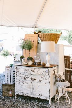 outdoor antique booth display ideas | Miss Mustard Seed