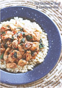 Thai Chicken with Basil & Cauliflower Fried Rice - Low Carb A low carb chicken recipe that has all the flavors of your favorite Thai takeout - but keto and Atkins diet friendly! Low Carb Chicken Recipes, Chicken Meal Prep, Low Carb Recipes, Cooking Recipes, Healthy Recipes, Budget Recipes, Basil Chicken, Thai Chicken, Keto Chicken