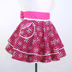 Double PERFECT CIRCLE Hostess Apron in Skulls on Pink and Black Houndstooth