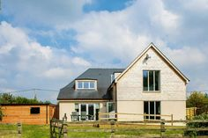 A blend of historic construction materials and modern building methods has led to the creation of a cost-effective, low-carbon home in Oxfordshire Energy Efficient Homes, Energy Efficiency, Low Carbon, Construction Materials, Modern Buildings, Bungalow, Building A House, Farmhouse, Cabin