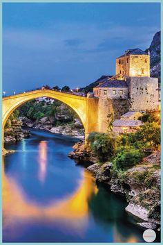 Village de rêve en Europe : voici 10 villages de contes de fées à découvrir Destinations, Bosnia, Go Outside, Voici, Beautiful Places, Places To Visit, Wanderlust, Water, Travel