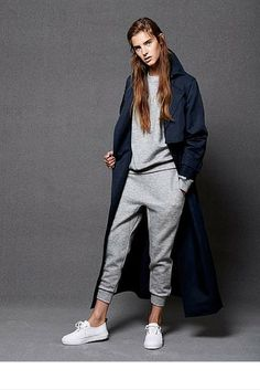 sneakers and pearls, streetstyle, sport lux, grey sweatpants and sweatshirt, navy long trench, trending now, la cool et chic.png