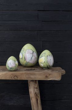 Studio 2018 Egg | | Pentik Easter 2018 |  Hand-painted eggs make your table and home look very personal and lifelike. The designer behind the Pentik Studio collection is Anu Pentik.