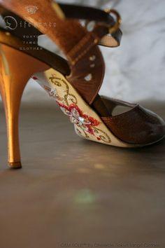 This GEM SOLE tango shoes for beautiful Polish tango dancer Agata. I GEMed…