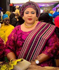 Special party guest, Wife of His Royal Majesty, Oba Mufutau Muhammed Oloyede Gbadamosi, Okikiola Esuwoye II Olofa of Offa... #rahus'17 Event planned @gladsomeevents Photocredit @9iceshot_photography