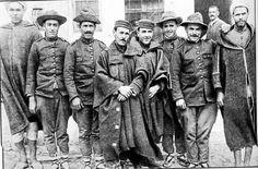 La Guerra del Rif (1911–1927), fue un enfrentamiento originado en la sublevación de las tribus rifeñas (región montañosa del norte de Marruecos) contra la ocupación colonial española. El contigente español estaba compuesto en su mayoría por soldados de reemplazo que no entendían aquella guerra y que sólo deseaban volver a sus casas.