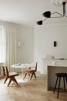 Swedish Kitchen, Nordic Kitchen, Scandinavian Kitchen, Wooden Kitchen, Deco Addict, Soft Flooring, Built In Cabinets, Upper Cabinets, Minimalist Kitchen