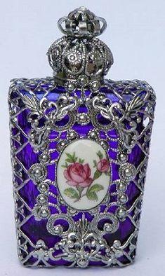 Пленительные формы парфюмерных флаконов: от сложного к простому - Life Style - ИЛЬ ДЕ БОТЭ - магазины парфюмерии и косметики