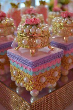 Aniversário Mermaid Birthday, Princess Birthday, Shower Party, Baby Shower Parties, Jasmin Party, Money Envelopes, Little Mermaid Parties, Diy Gift Box, Flamingo Party