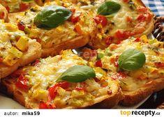 Zapečené zeleninové tousty recept - TopRecepty.cz Aesthetic Food, Bread Baking, Bon Appetit, Vegetable Pizza, Baked Potato, Hamburger, Sandwiches, Food Porn, Toast