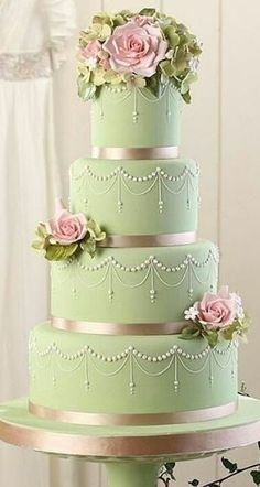 wedding cake green