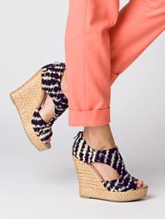 need these seychelles wedges for summer immediately...