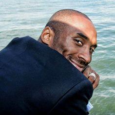 Beautiful Men, Beautiful People, Tupac Art, Kobe Bryant Nba, Black Mamba, Los Angeles Lakers, Funny Faces, Athlete, Champion