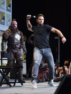 Actor Chris Pratt from Marvel Studios' 'Guardians Of The Galaxy Vol. attends the San Diego Comic-Con International 2016 Marvel Panel in Hall H on July 2016 in San Diego, California. Hot Actors, Actors & Actresses, Actor Chris Pratt, Kevin Feige, Marvel, Men In Uniform, San Diego Comic Con, Hollywood Actor, Attractive Men