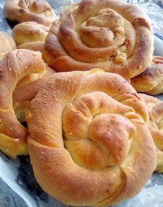 Κιχιά απίθανα !!! ~ ΜΑΓΕΙΡΙΚΗ ΚΑΙ ΣΥΝΤΑΓΕΣ 2 Greek Pita, Eat Greek, Pizza Tarts, Savory Muffins, Cheese Pies, Pastry Art, Baking And Pastry, Greek Recipes, Bakery