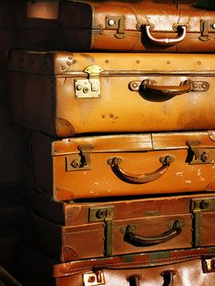 Old Fashion Leather Suitcases by Dr Chester Chu, via Flickr  This site is awesome, however I didn't see a close example of Daddy's vintage 1921 steamer trunk, the 1950's vintage Samsonite suitcase or the 1920's vintage Alligator Samsonite, all of which I have. Now, I know where there is a vintage, beautiful leather set in pristine condition for a song and a dance that really needs a good home
