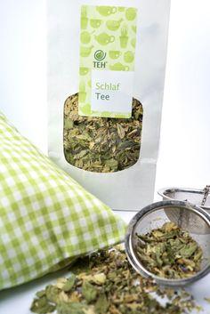 Der Schlaf Tee bringt Stille in die Gedanken und lässt den Körper zur Ruhe kommen. Die Kräuter stammen aus Unken/Oberrain und sind aus biologischem Anbau. Kraut, Bread, Food, Women's Coats, Blackberries, Mint, Sleep Tea, Thoughts, Brot