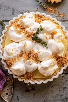 Lemon Sugar Coconut Cream Pie with a slight lemony twist. Every bite is full of creamy coconut pudding and crunchy toasted coconut.an easy, sweet treat! Sugar Cream Pie Recipe, Cream Pie Recipes, Tart Recipes, Funnel Cakes, Toasted Coconut, Coconut Cream, Pie Coconut, Coconut Recipes, Coconut Milk