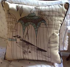 Can't get enough of pillows? Love birds? Check these 5 bird throw pillows. LOVE these.