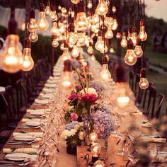 Düğün sezonu yaklaştı! En önemli gününüzde loş ışık kullanırsanız daha romantik bir atmosfer oluşturabilirsiniz.  #EvDizayn #home #lighting #dizayn #tasarım #romantik #ışık
