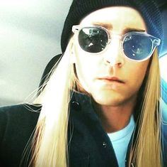 lee behind the scenes on the hobbit. Thranduil in our time, what a gorgeus elf.