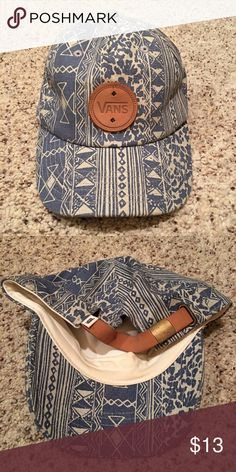 3e7ab1eae27 Vans Women s Baseball Hat Vans Women s baseball cap with adjustable back.  Worn only a handful of times. In great condition Vans Accessories Hats