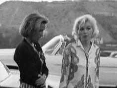 Le 30 juin 1962, Marilyn Monroe est photographiée par George Barris pour le magazine Cosmopolitan, chez Walter 'Tim' Leimert, un magnat de...