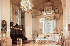 Wnętrze kościoła pw. Wniebowzięcia NMP przy klasztor pocysterski w Wągrowcu. Obecnie pod opieką oo. paulinów. #wagrowiec #wielkopolska #polska #poland #kosciol #church #monastry #klasztor #szlakcysterski #cystersi #paulini #oldchurch #wągrowiec #monastery Fot. Z. Paulus
