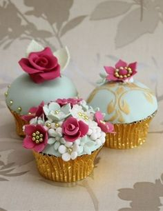 Cupcakes for Tea. Exquisitely decorated cupcakes handmade by Cake Cucina, a family owned, cake-making business Floral Cupcakes, Fun Cupcakes, Cupcake Cakes, Decorated Cupcakes, Cup Cakes, 60th Birthday Cupcakes, Easy Buttercream Frosting, Bridal Shower Tea, Yummy Cakes