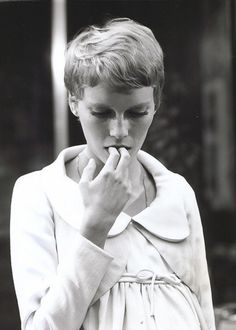 Mia Farrow, 1968, 60's Fashion..., 60s, 60´s, eyes, retro, history, women, men, fashion, blog, hair styles