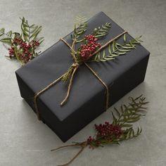 Williams-Sonoma Williams Sonoma Berry Stem Gift Wrap Bundle, Set of 3 Wrapping Gift, Elegant Gift Wrapping, Gift Wraping, Creative Gift Wrapping, Christmas Gift Wrapping, Creative Gifts, Diy Cadeau, Dark Christmas, Xmas