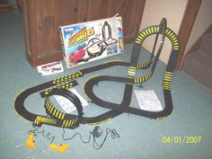 TYCO SKY CLIMBER CLIFF HANGERS TRACK AMD ACCESSORIES IN BOX 1989 - http://hobbies-toys.goshoppins.com/slot-cars/tyco-sky-climber-cliff-hangers-track-amd-accessories-in-box-1989/
