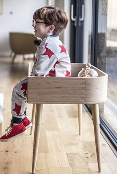 The Hugg Bedside crib grows with your family, to be used for years as a desk and bench. Sustainable, smart design to meet your growing family needs. Bedside Crib, Modern Kids Furniture, Co Sleeper, Smart Design, Baby Cribs, Baby Sleep, Home Projects, New Baby Products, Bedrooms