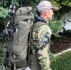 Choosing an Elk Elk Hunting Tips, Hunting Packs, Big Game Hunting, Hunting Guns, Deer Hunting, Hunting Backpacks, Tactical Survival, Survival Gear, Crossbow Hunting