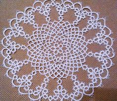 Needle Tatting, Tatting Lace, Doilies, Tatting Patterns Free, Crochet Flowers, Creative Art, Crochet Projects, Needlework, Free Pattern