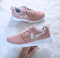 Swarovski Nike Roshe One Casual Shoes Coral Stardust/White Girls Footwear, Girls Shoes, Nike Shoes, Shoes Sneakers, Tenis Vans, Korean Fashion Kpop, Aesthetic Shoes, Nike Roshe, Sock Shoes