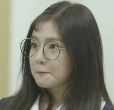 Irene (Red Velvet) Irene Red Velvet, Wendy Red Velvet, Red Velvet Seulgi, Beautiful Inside And Out, Beautiful Soul, Reaction Face, Red Pictures, Face Skin Care, Meme Faces