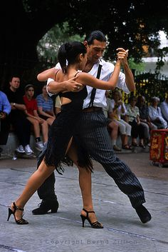 Dance - Argentina - Do the tango in Argentina Shall We ダンス, Shall We Dance, Lets Dance, Photo Zen, Photo D Art, Danse Latino, Tango Dancers, Belly Dancing Classes, Dance Like No One Is Watching