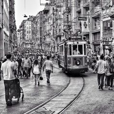 #Istanbul: #Istiklal Street is crowded at all hours of the day. Here are #authentic shops and #globalbrands side by side for locals and tourists to enjoy, as well as many nightclubs and restaurants. There are also historic buildings, churches, synagogues, mosques and bazaars. The perfect destination for people from all over the world. Photo taken by @me_tiryakioglu. #localculture #photooftheday #comissionculture