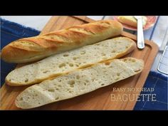 This French Bread Recipe will help you make Fresh Homemade Baguettes that are light and airy with a crusty exterior and a very soft and chewy interior. Artisan French Bread Recipe, French Baguette Recipe, Artisan Bread Recipes, Baguette Bread, Homemade Burger Buns, Baking Stone, No Knead Bread, Vegan Baking, Tray Bakes