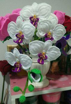Watch The Video Splendid Crochet a Puff Flower Ideas. Phenomenal Crochet a Puff Flower Ideas. Freeform Crochet, Crochet Art, Crochet Gifts, Crochet Motif, Crochet Doilies, Crochet Flower Tutorial, Crochet Flower Patterns, Crochet Patterns For Beginners, Crochet Flowers
