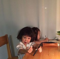 Ideas Baby Fashion Cute Little Girls Cute Asian Babies, Korean Babies, Asian Kids, Cute Babies, Funny Babies, Funny Kids, Cute Kids, Cute Baby Girl Pictures, Ulzzang Kids