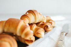 Wiener Kipferl oder ein bisschen Sonntag im Dienstag Napkin Rings, Tuesday, Sunday, Simple, Bread Baking, Meal, Napkin Holders