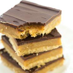 Millionaire's Shortbread (Brown Eyed Baker) Shortbread Bars, Shortbread Recipes, Cookie Recipes, Dessert Recipes, Bar Recipes, Dessert Ideas, Yummy Recipes, Caramel Shortbread, Candy Recipes