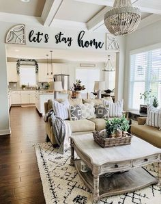 My Living Room, Home And Living, Living Room Decor, Cottage Chic Living Room, Small Living, Lets Stay Home, Home Decor Inspiration, Decor Ideas, Decorating Ideas
